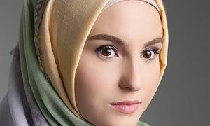 Beberapa Jenis Hijab Pashmina Terbaik untuk Busana Lebaran