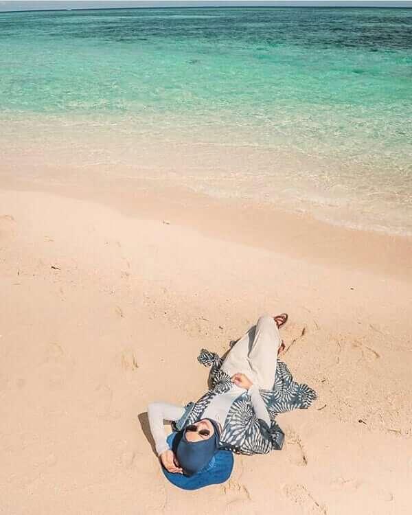 Pasir adalah pakaian anak pantai - Foto @norel08
