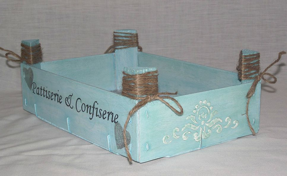 Trastos en el doblao cajitas de fresas decoradas - Decorar cajas de madera manualidades ...