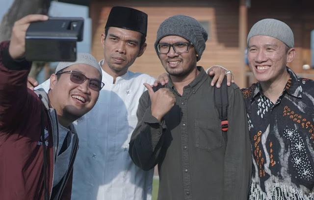 Suarakan 2019 Ganti Semua, Felix Siauw Posting Foto Dengan Ustaz Abdul Somad