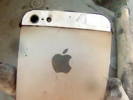 Cargador de Iphone causa muerte a joven