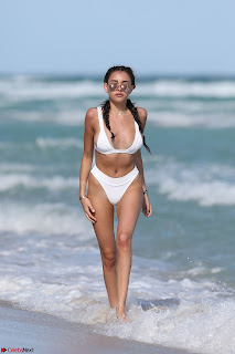 Madison  Enjoying Valentines Day with Her Boy friend on Beach in White Bikini Spicy Pics (16).jpg