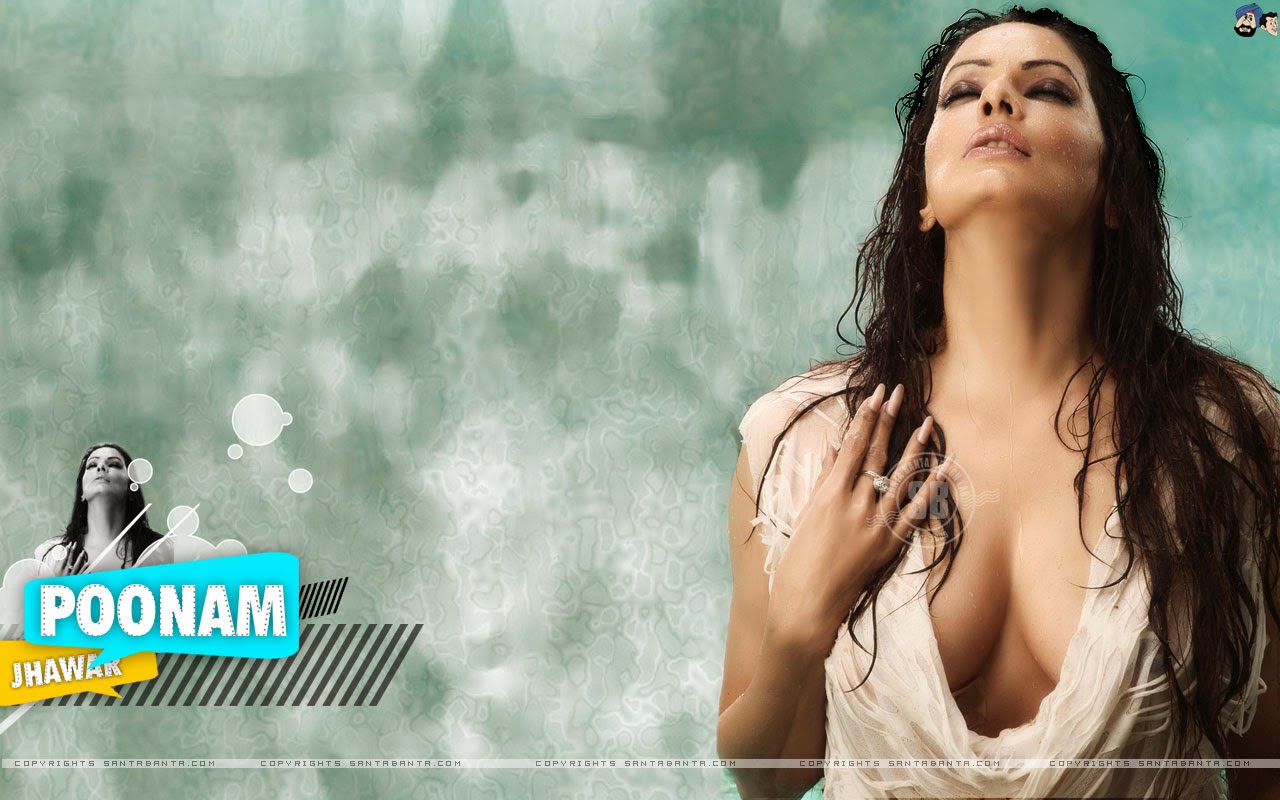 Drenched White Cloth Of Poonam Jhawar - Cleavage Show 1
