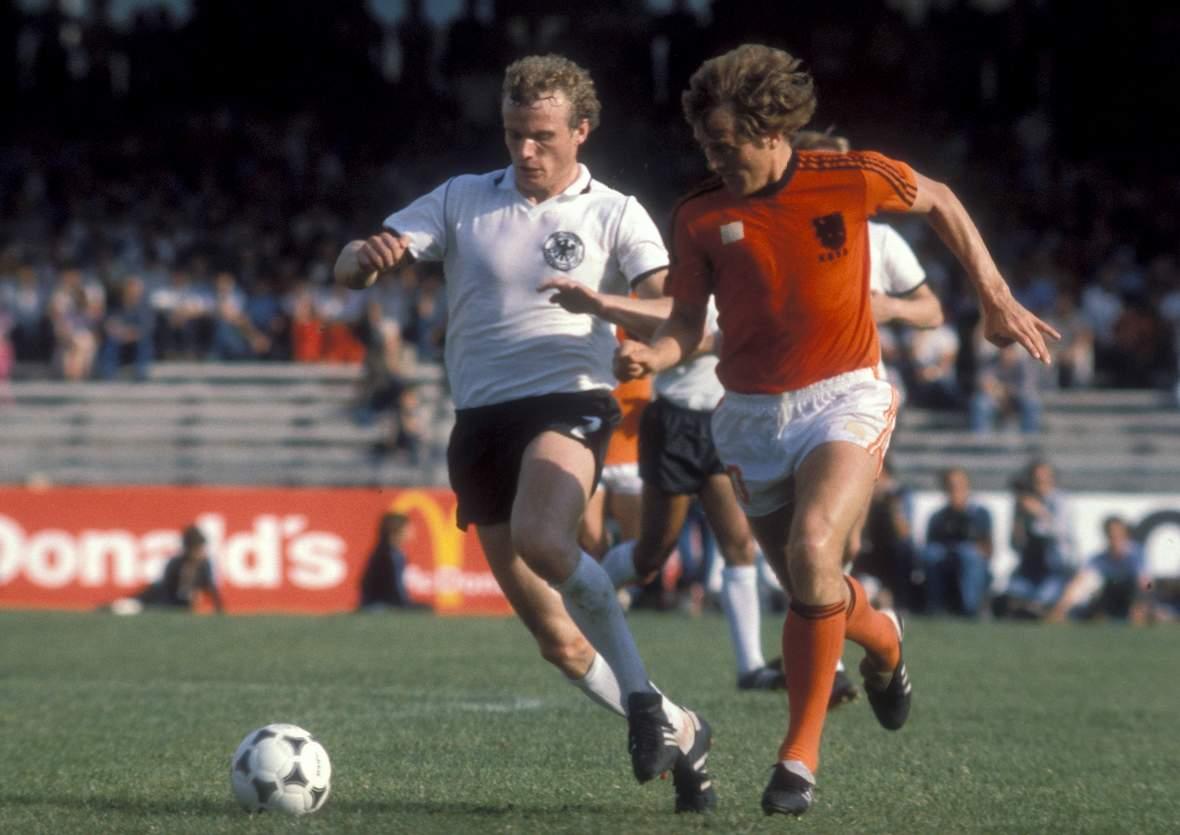 I protagonisti del calcio olandese Arie Haan il Bombar re di