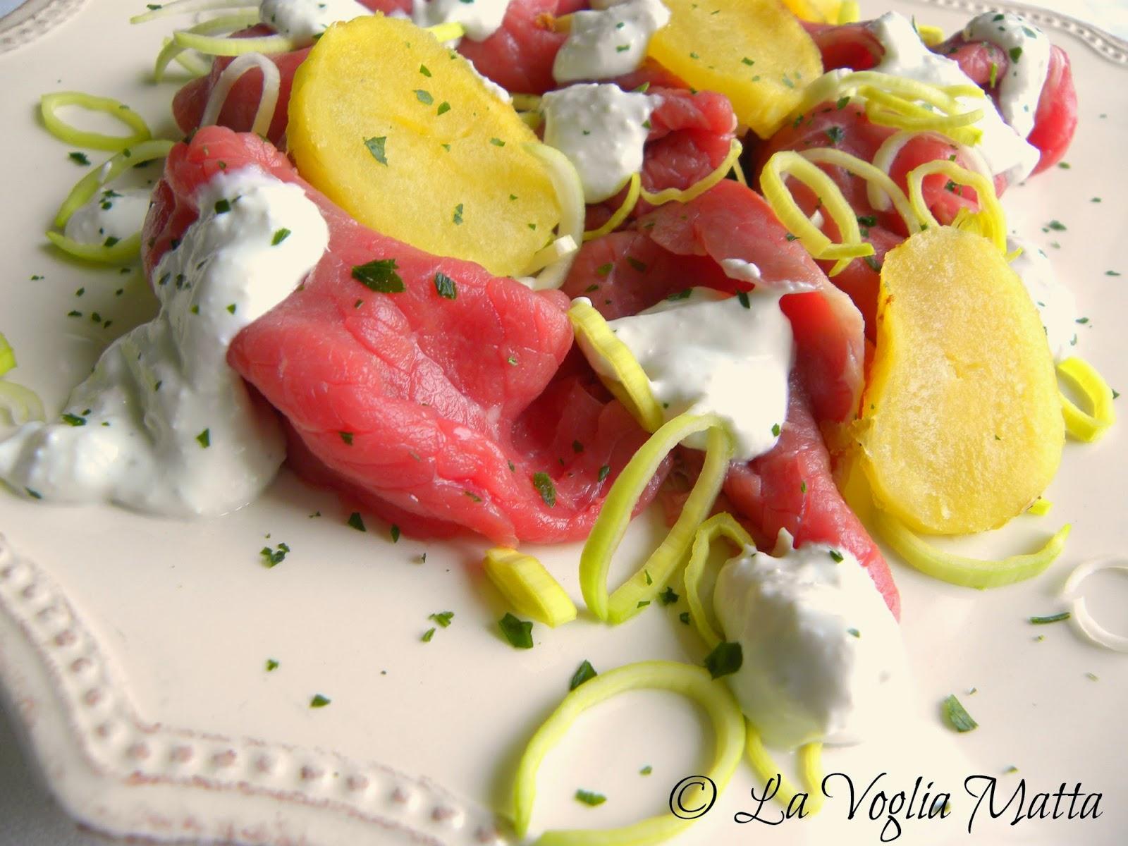 carpaccio di manzo con salsa al Roquefort