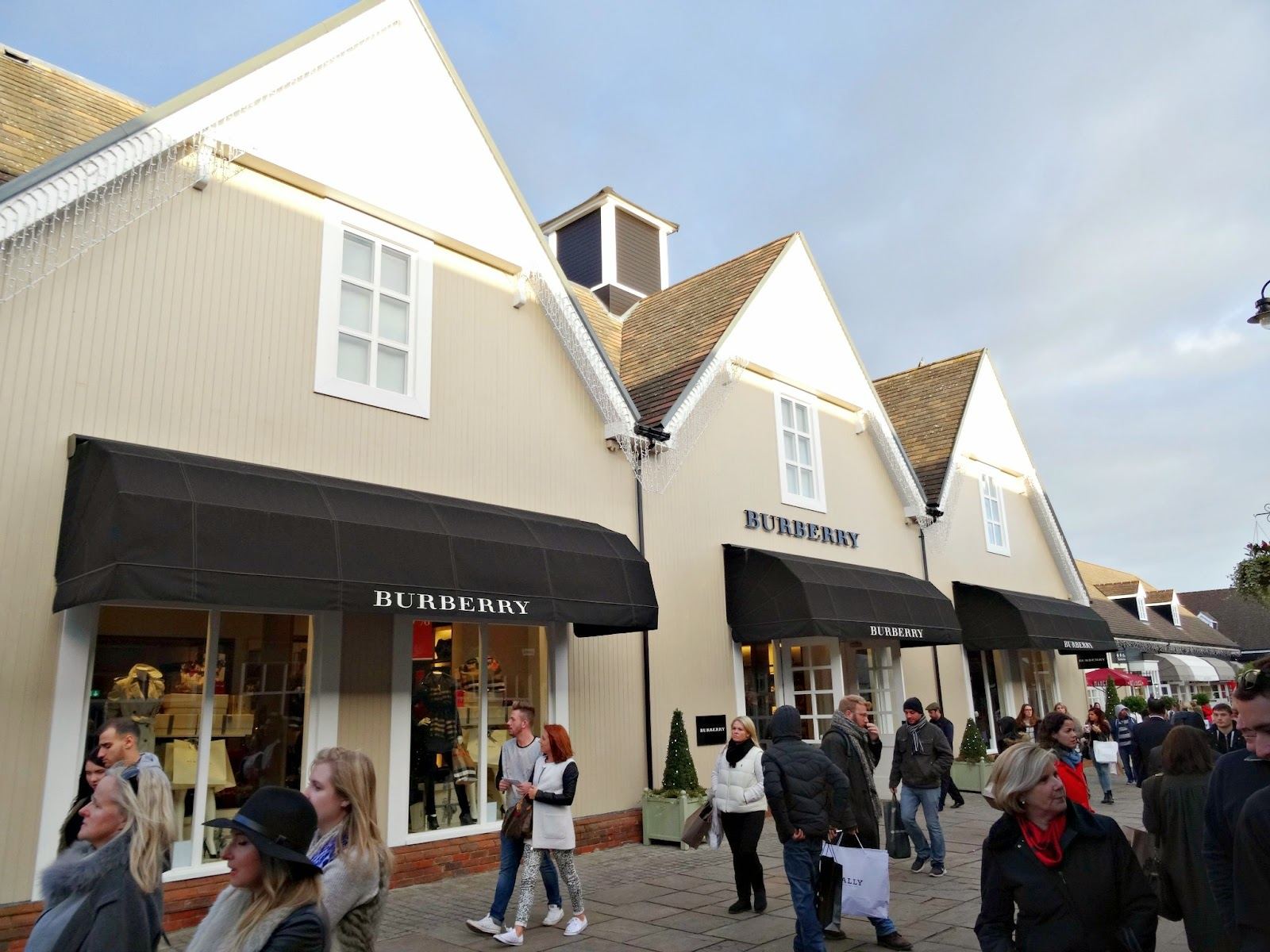 Burberry Bicester Village Designer Outlet