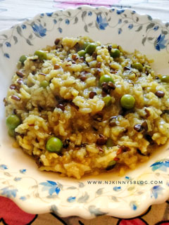 Healthy and Tasty Urad Dal and Matar Khichdi (Black Gram Lentil Khichdi with Peas) Recipe -Njkinny's Blog