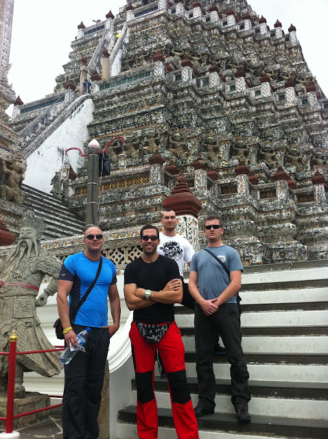 El grupo en Wat Arun
