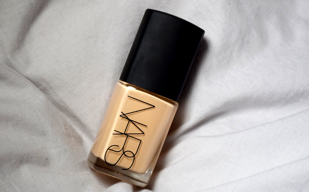 Nars Sheer Glow Foundation Review - The Puzzle of Sandra's Life