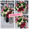 Bouquet Mawar dan Tiger Lily Import