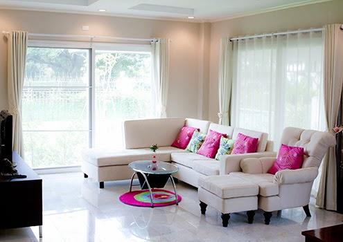客廳窗簾佔據全家生活裝潢重心,所以客廳窗簾顏色與客廳窗簾設計是很重要的事