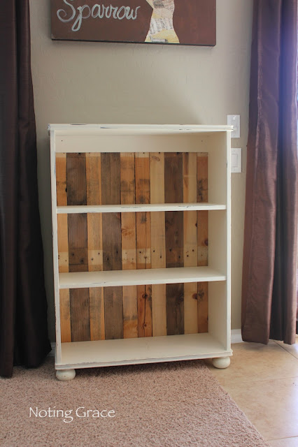 DIY Pallet-Backed Bookcase