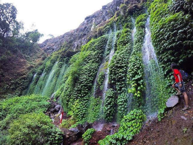 Objek Wisata Tujuh Air Terjun Sumber Pitu