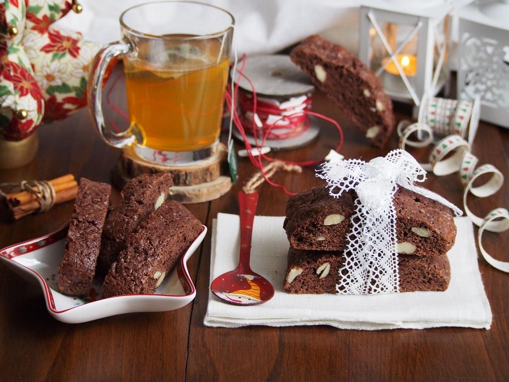 Cantucci speziati al cioccolato
