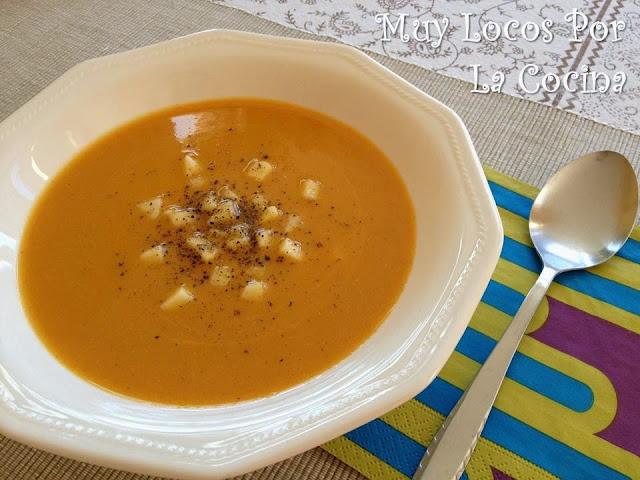 Sopa de Calabaza, Manzana, Canela y Yogur