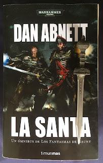 Portada del ómnibus La Santa, de Dan Abnett