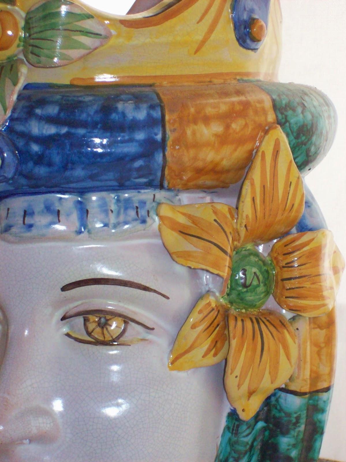 Oggetti Ceramica Di Caltagirone.Wunderkammer Teste Come Vasi E La Ceramica Di Caltagirone