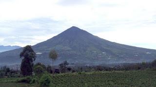 Jalur Pendakian Gunung Cikuray Dari Bandung Diminati Pendaki