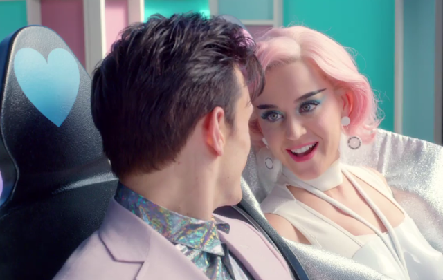 Estreno: Katy Perry ft. Skip Marley - Chained To The Rhythm