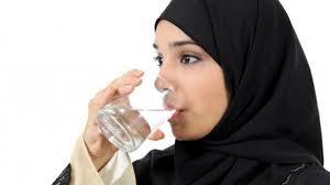 Persiapkan 8 Gelas Air Minum untuk Puasa Ramadhan!