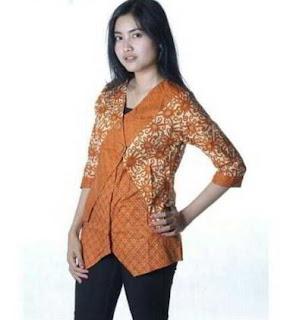 Foto Kemeja Batik Wanita Lengan Panjang Modis