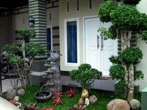 Taman minimalis depan rumah mungil yang asri