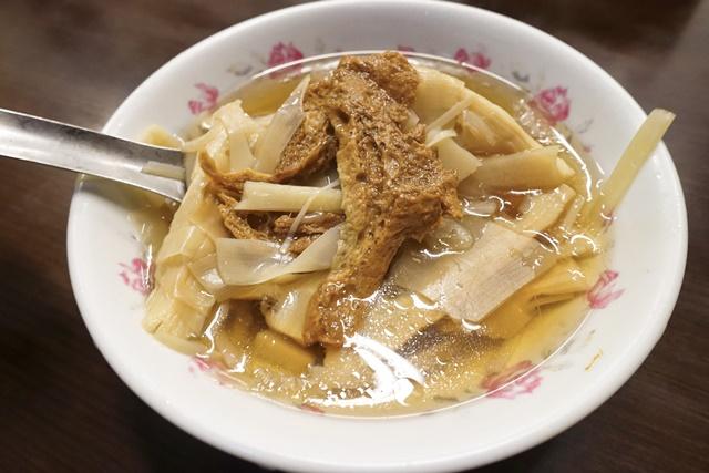 蘇天助素食麵筍湯