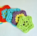 http://mymerrymessylife.com/2013/06/crochet-lacy-star-applique-free-pattern.html