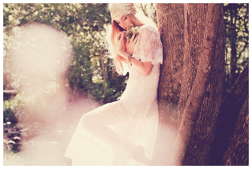 French Lace Wedding Gown: Not-Too-Pricey French Lace Wedding Dresses