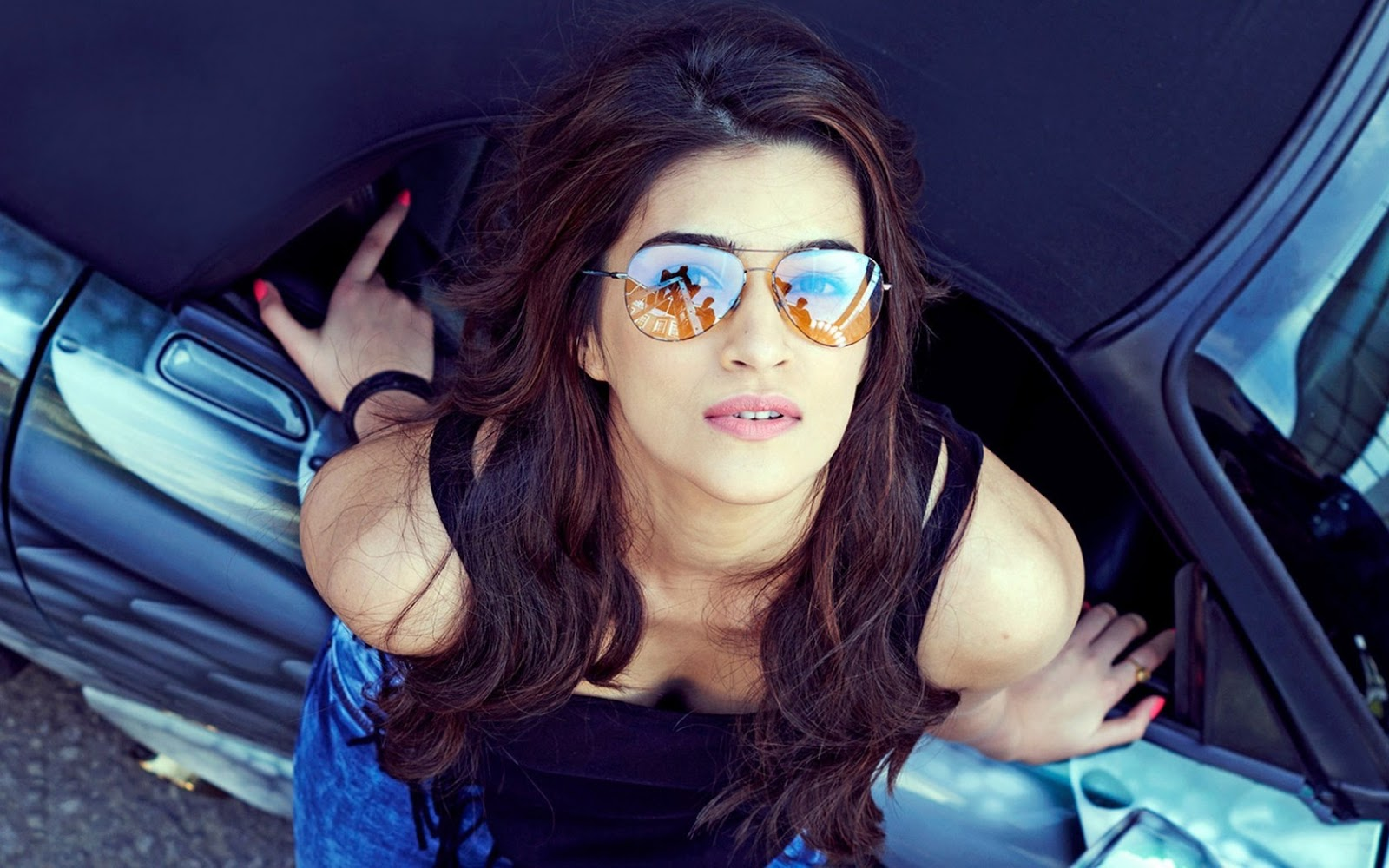 Hd wallpaper yogi adityanath - Top 10 Superstar Actresses Kriti Sanon Hd Wallpaper Latest