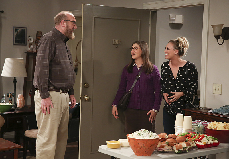 The Big Bang Theory 10x03 Amy y Penny en la fiesta