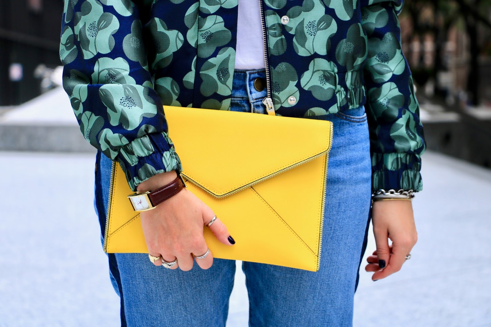 NYC Fashion blogger Kathleen Harper with a yellow Rebecca Minkoff envelope clutch