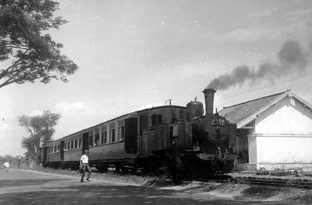 Menelusuri Bekas Jalur Kereta Api Di Madura
