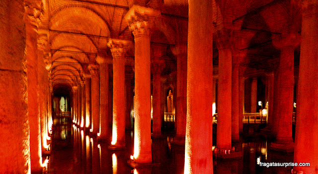 Cisterna da Basílica de Istambul, Turquia