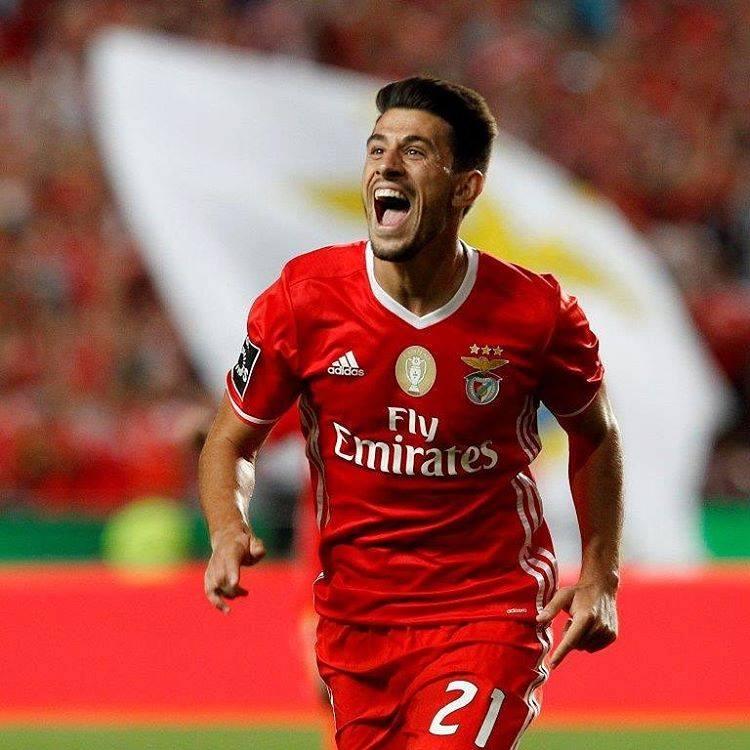 Ontem vi-te no Estádio da Luz  Pizzi à Benfica (mozzarella b0dec1ba522e4