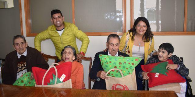 Visita a adultos mayores en Hogar Santa María de Osorno