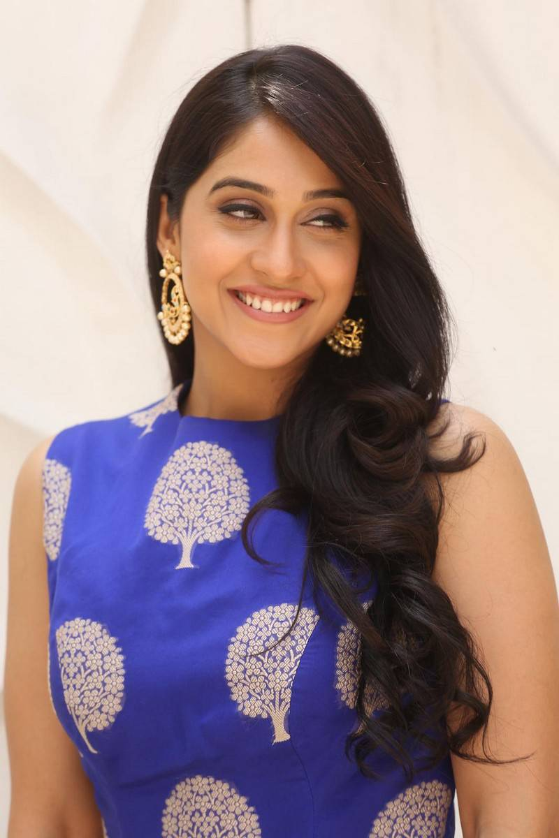 Regina Cassandra Photos In Blue Dress