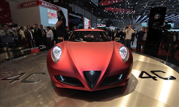 Car Overview: 2013 Alfa Romeo 4C
