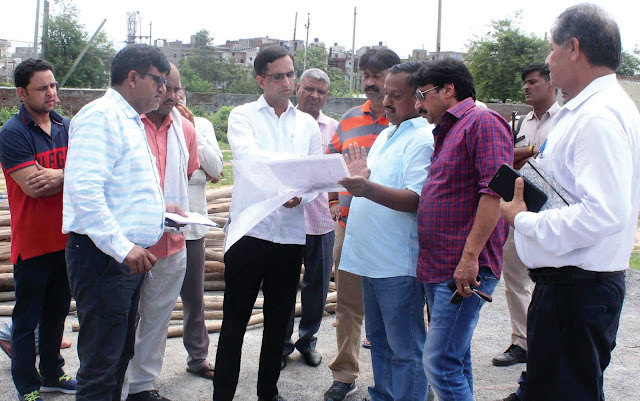Senior Deputy Mayor Devendra Chaudhary takes up development works in the Sector area of Tigaon Vis