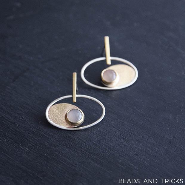 Orecchini argento, ottone e pietra di luna