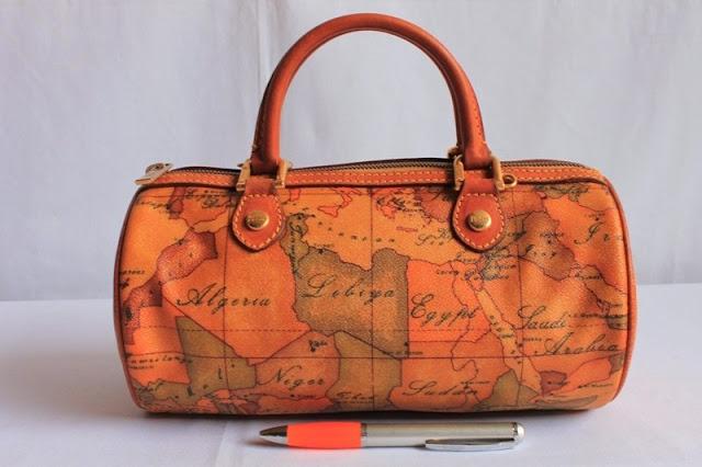 Jual tas tas second bekas branded original murah dari Singapore Original  Authentic dengan harga yang kompetitif b184b66d9b