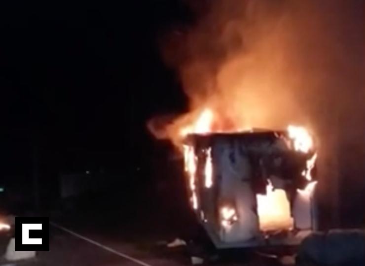 Video: Incendian destacamento de la Policía en Samaná