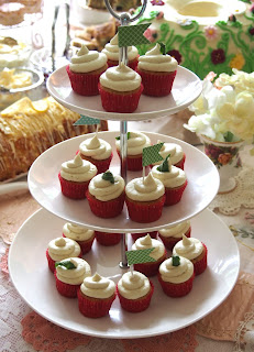 Peppermint Tea Mini Cupcakes