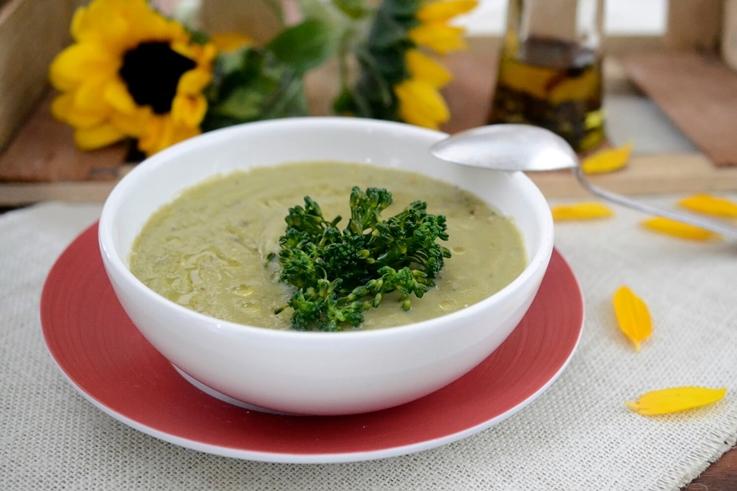 Crema de brócoli y bimi con jengibre