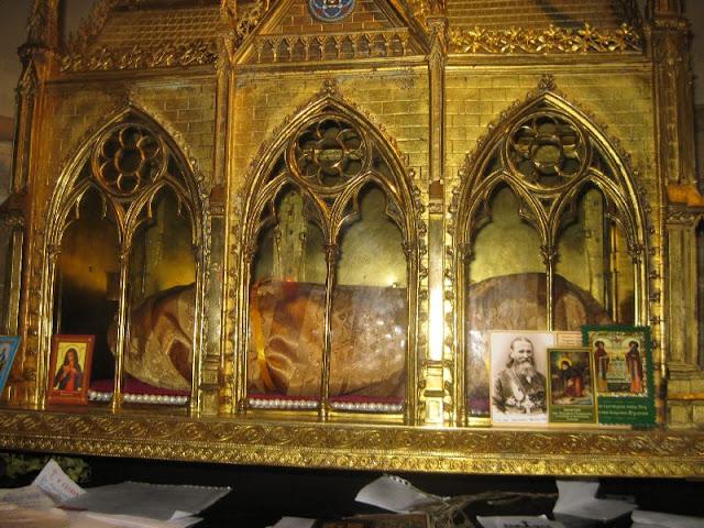 Το ιερό σκήνωμα της Αγίας Ελένης (3) http://leipsanothiki.blogspot.be/