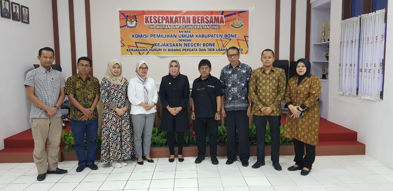 Bentengi Diri, KPU Bone Jalin Kesepakatan Bersama dengan Kejari Bone