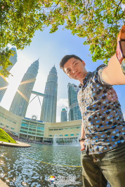 How to take good selfie with Petronas Twin Towers