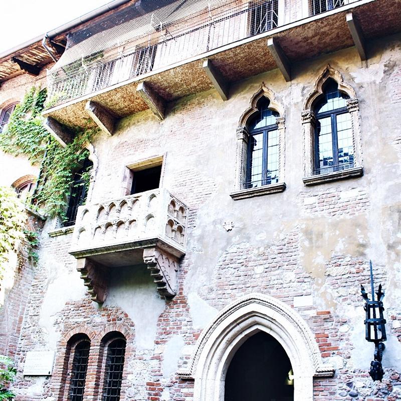 Verona, Italy La casa di Giulietta balcony