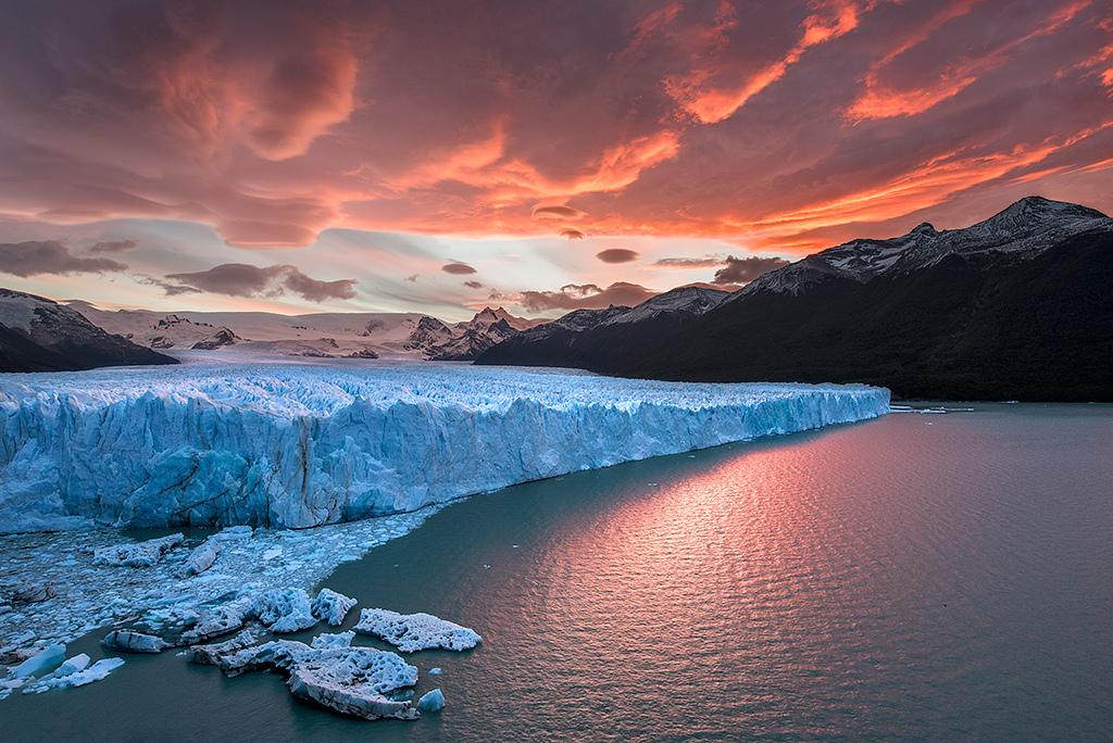 ธารน้ำแข็ง เปอริโด้ โมริโน The Perito Moreno Glacier ประเทศ Argentina -  Once in World Wide