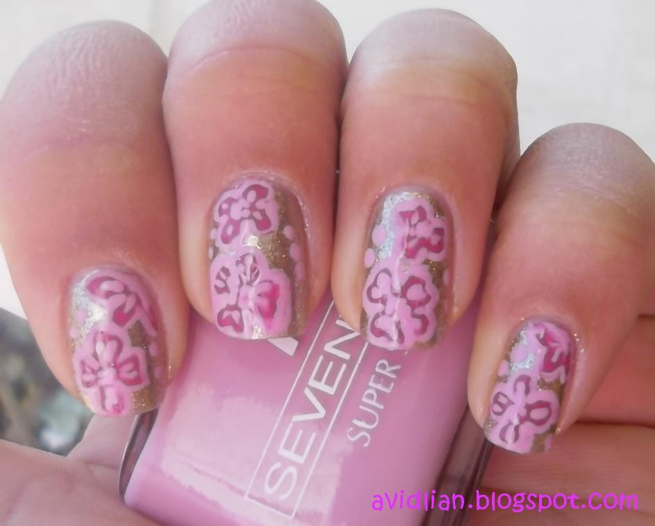 aviDliaN: Tropical Flower Nails